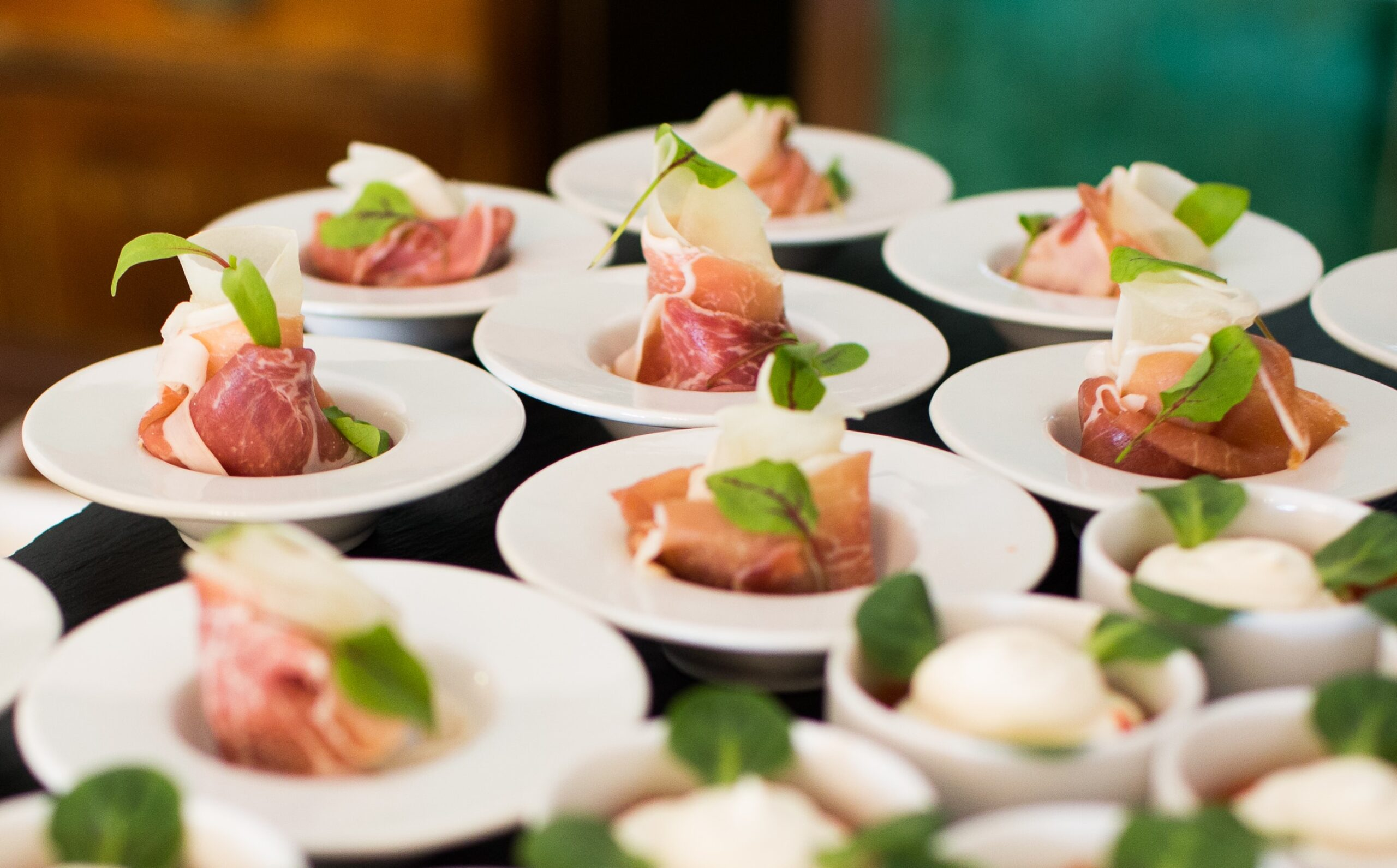 Catering On A Budget In Vancouver? Choose The Best Company!